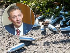 Lachgasverbod in Zwolle blijft uit, en dat leidt tot onvrede: 'Je zet jezelf voor schut'