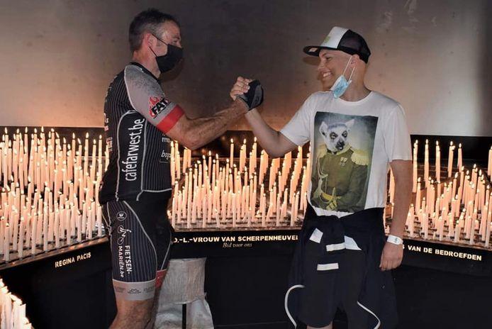 Kris Driessens organiseerde een fietstocht met de mountainbike naar Scherpenheuvel ten voordele van zijn neefje Mats.
