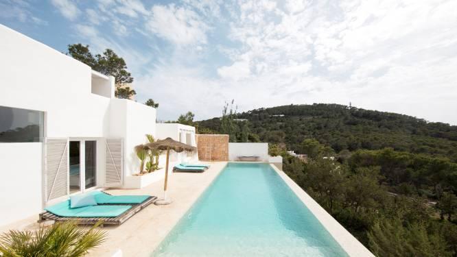 WOONVIDEO: Brussels koppel ontwaakt op Ibiza elke dag met een fenomenaal uitzicht