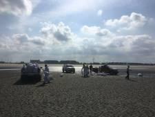 Lijkzakken en politie op het strand. Geen nood, 't zijn opnames voor Beau Séjour 2