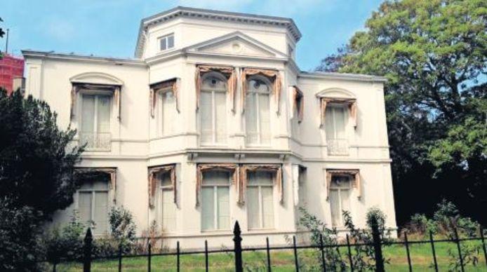 De beoogde ambassade op Plein 1813.
