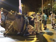 Twee auto's frontaal op elkaar gebotst, persoon gewond geraakt
