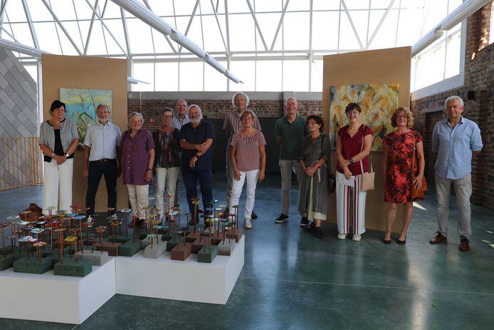 Veertien Gooikse kunstenaars stellen tentoon in de binnen- en buitenruimte van Plattelandscentrum Paddenbroek.