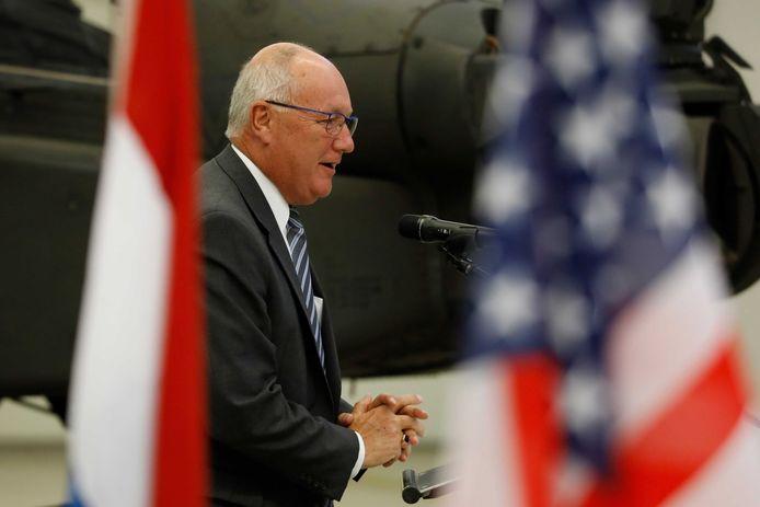 De Amerikaanse ambassadeur Pete Hoekstra