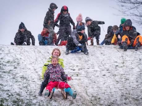 Hoera! Zelfs dun laagje sneeuw zorgt voor dikke pret in Utrechtse regio