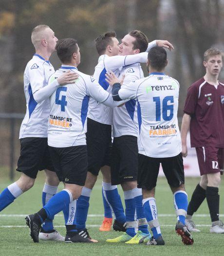 Amateurvoetbal: speelschema districtsbeker zondagclubs