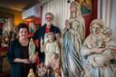Peter Hoeks en Monique Bolwerk met hun Maria's in Schijndel.