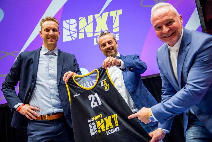 Wim Van de Keere, CEO van de nieuwe BNXT League, Betfirst-CMO Timothy Mastelinck en voorzitter van de Nederlandse basketbalbond Ramses Braakman.