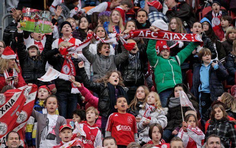 Bij de bekerwedstrijd tussen Ajax en AZ in januari 2012 waren 22.000 kinderen aanwezig. Beeld AP