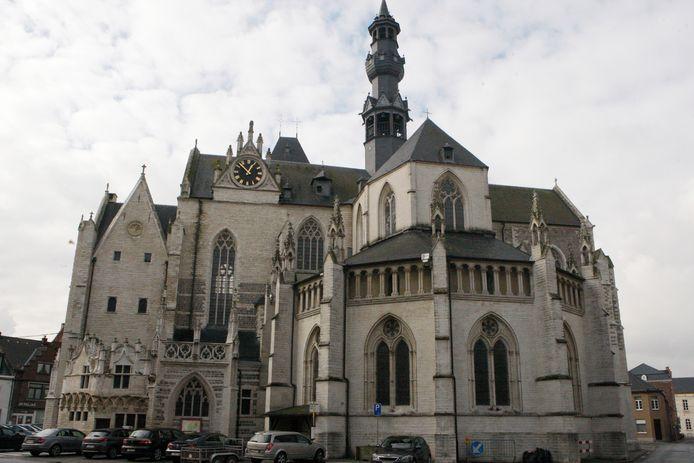 De wandeling gaat van start aan de Sint-Leonarduskerk in Zoutleeuw.