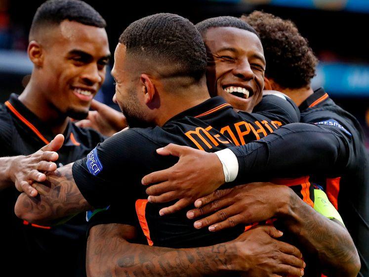 LIVE | Oranje flitst met trefzekere Wijnaldum in 4-3-3, Weghorst en Promes vallen in