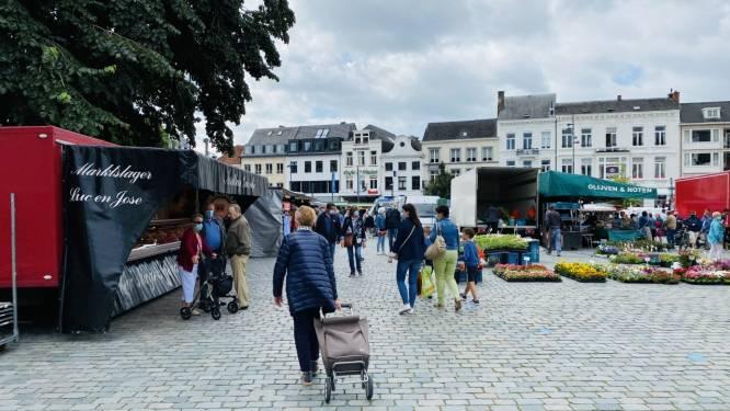 Marktkramers verhuizen tijdelijk naar parking Stadspark
