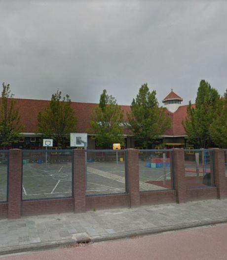 Karakteristieke Van Amerongenschool uit 1930 te koop vanaf 8 ton: mogelijk woningen als herbestemming