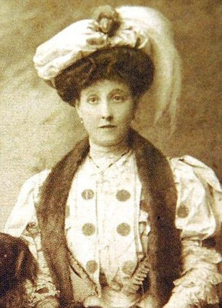 Evelyn Bond-Cabbell gaf de club in 1922 het terrein in bruikleen. Beeld
