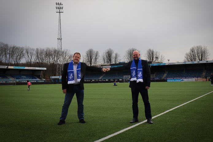 Willy Swinkels (links) en Günther Peeters op de velden van FC Eindhoven