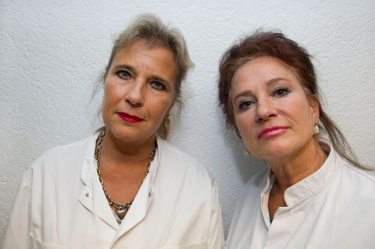 Longartsen Wanda de Kanter (links) en Pauline Dekker. Beeld ANP