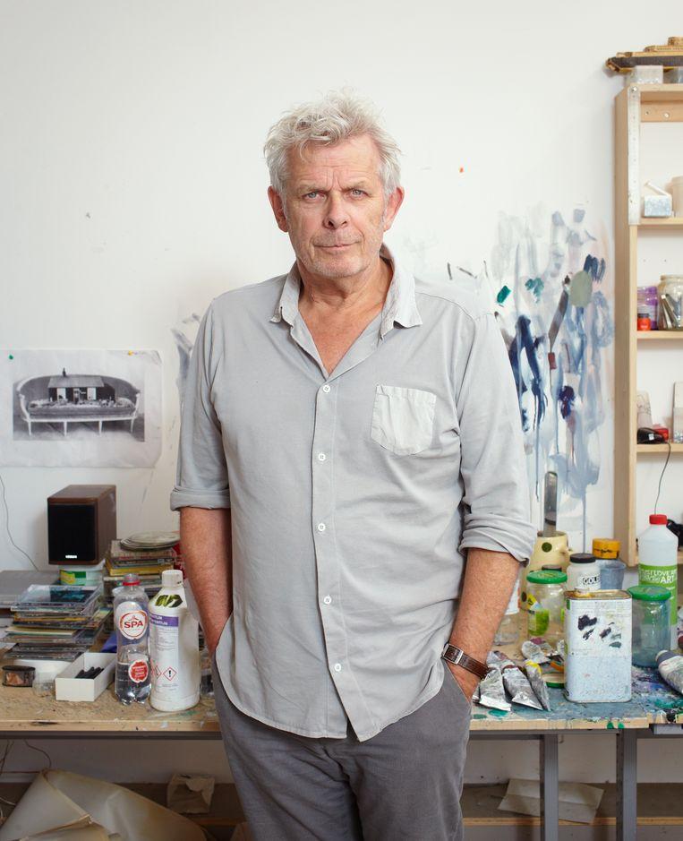 Film- en toneelregisseur: Alex van Warmerdam in zijn atelier in Amsterdam. Beeld Daniel Cohen