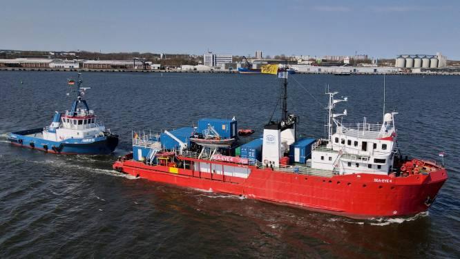 Reddingsschip pikt 172 migranten op in Middellandse Zee