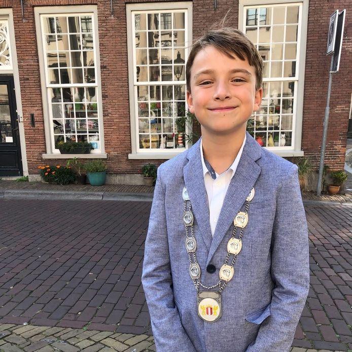 Lucas van Dijk uit Dordrecht is op zoek naar een opvolger.