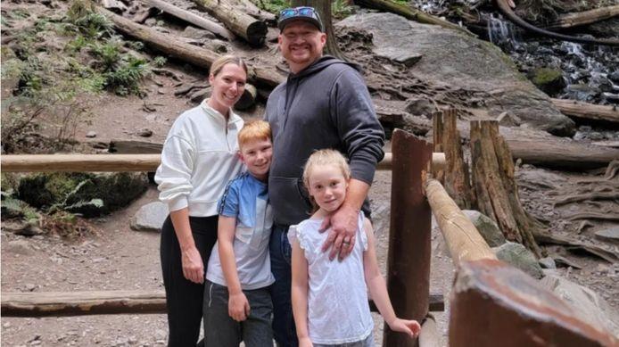 De omgekomen Tony Eyles (42) en zijn gezin.