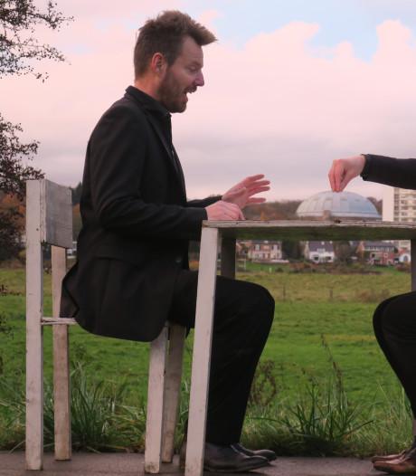 Dit Arnhemse duo zet zichzelf steeds op de foto: 'We zijn het zelden eens, dat is onze kracht'