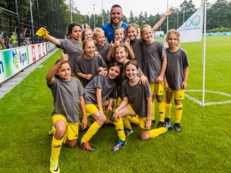 Steun van Marco van Basten, maar geen voetbaltitel voor Utrechtse meiden