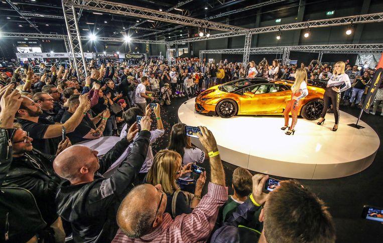 De gouden Lamborghini Huracan op de GR8 Car Show in Kortrijk.
