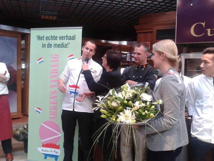 De prijs van Het Lekkerste Varkensvleesgerecht van Nederland gaat naar de kok van Monarh: Paul Kappé.