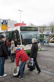 Een peuk roken bij bus- of tramhalte? RET wil verbod, maar handhaven is moeilijk