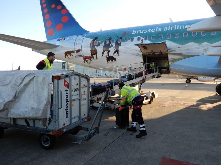 Een andere repatriëringsvlucht komt aan in Zaventem. Beeld rerpo Dieter Nijs