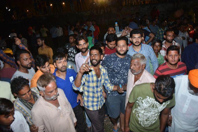 Na het ongeval trokken boze festivalgangers naar de plek des onheils