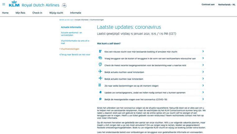 KLM toonde vrijdagochtend nog verouderde informatie op pagina over de 'actuele' gevolgen van coronamaatregelen voor het vliegverkeer. Beeld Volkskrant