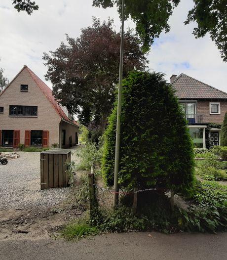 Conflict om 30 centimeter van dit nieuwbouwhuis in Wijhe: 'Het is een absurde situatie'