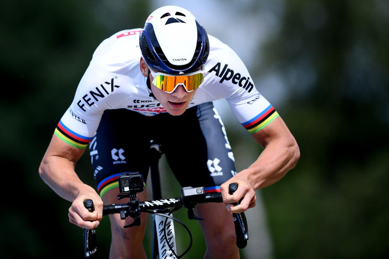Mathieu van der Poel is wereldkampioen in het veld. Beeld BELGAPLUS