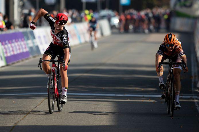 Lotte Kopecky (à gauche) et Jolien D'Hoore (à droite): rivales sur la route, partenaires sur la piste.