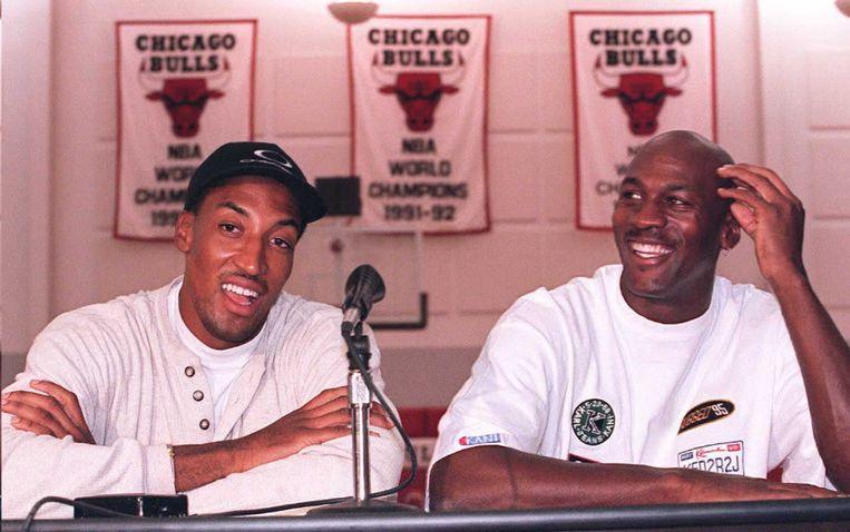 Het enige andere duo in de geschiedenis van de NBA dat gecombineerd meer dan negentig punten scoorde waren Michael Jordan (R) en Scottie Pippen. (Foto uit 1995). Beeld afp