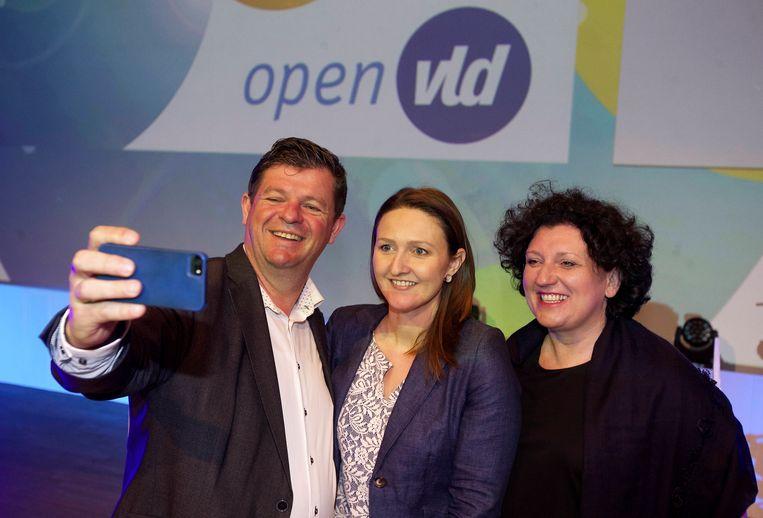 Open Vld'er Bart Tommelein met zijn voorzitster Gwendolyn Rutten. Beeld BELGA