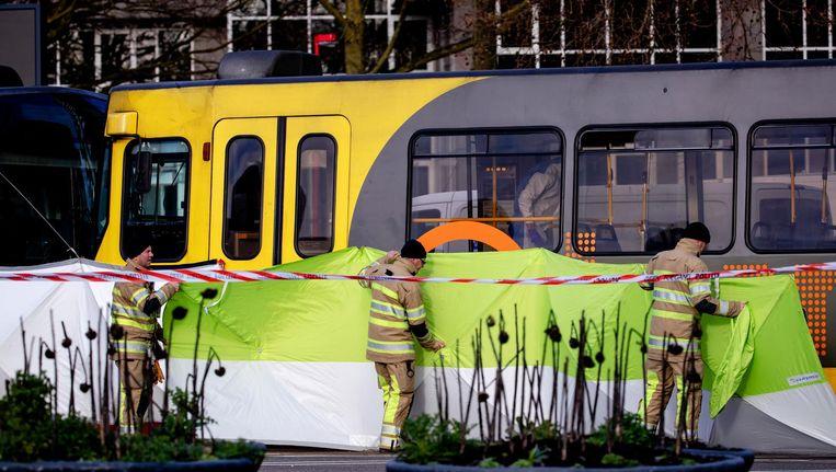 De tram waarin bij het 24 Oktoberplein de aanslag plaatsvond. Beeld ANP