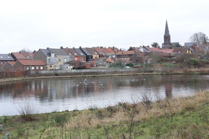 De vijver van Essenbeek beroert de gemoederen in Essenbeek.