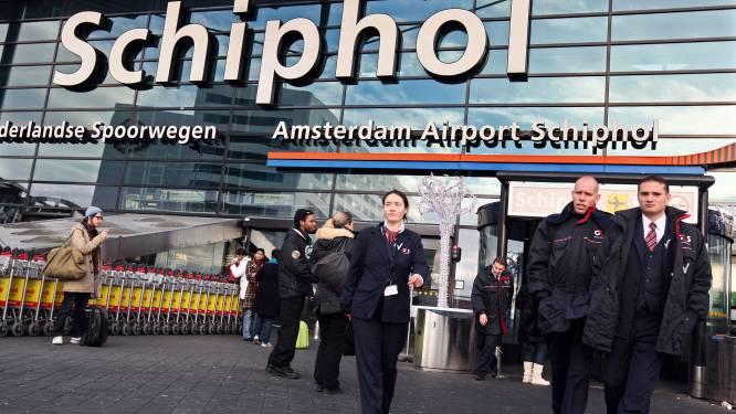 """""""Veiligheidspersoneel Schiphol weet van toeten noch blazen"""""""