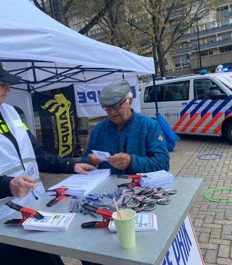 Politie voert in Tilburg met nep-prikstraat actie voor meer loon