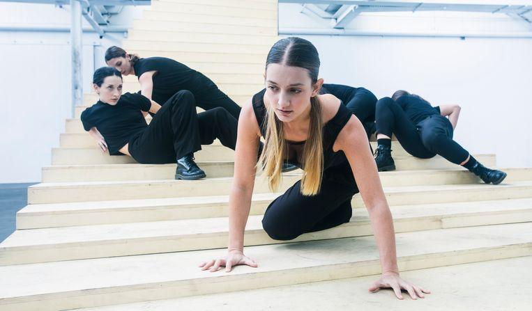 Scala uit Feminale van choreograaf Krisztina de Châtel Beeld Joris-Jan Bos