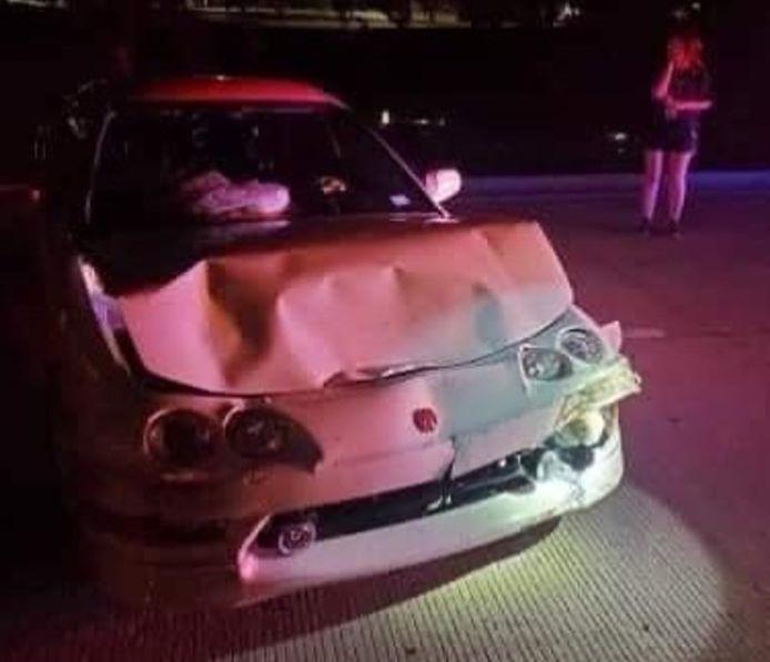 De beschadigde Honda.