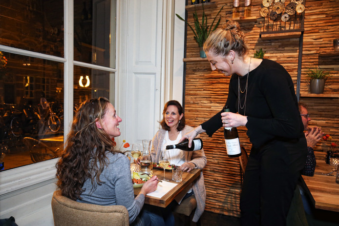 Bij Andermaal krijg je alleen het formaat tussengerecht geserveerd. Daardoor valt er voor een gunstige prijs veel te ontdekken en vooral te proeven in het Culemborgse restaurant.