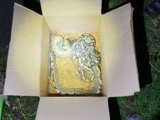 IJsselsteiners stuiten op doos met drie gedumpte koningpythons