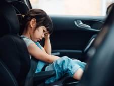 Met deze tips wordt je kind minder snel wagenziek