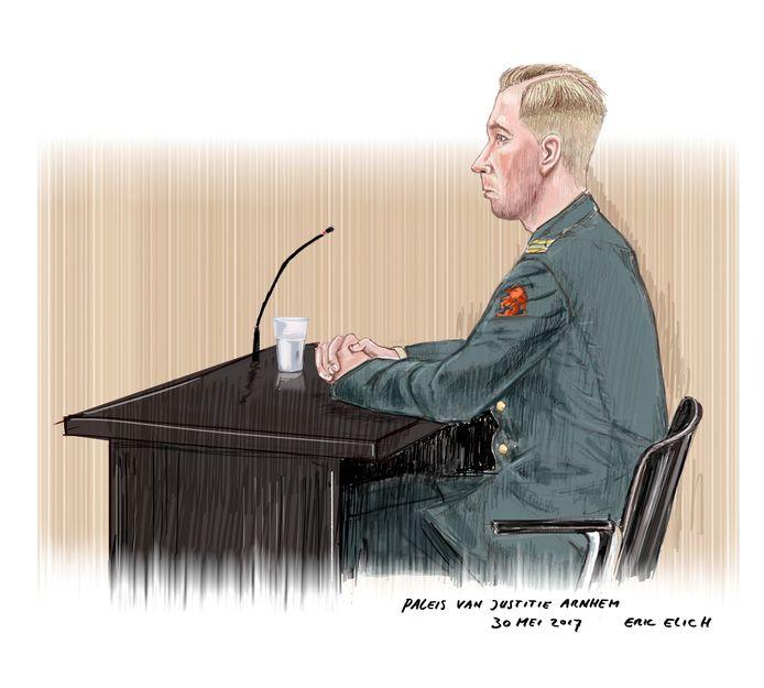 Freedo V. tijdens de rechtszaak voor de militaire rechtbank.