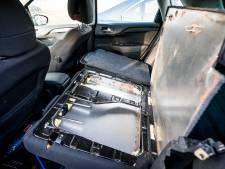 Motor aan, verwarming hoog en 'n druk op de knop: steeds meer criminelen hebben auto met verborgen ruimte
