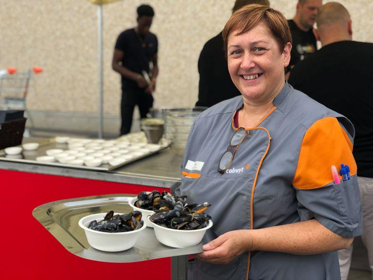 Je kan de eerste Belgische mosselen proeven in de kustfilialen van Colruyt