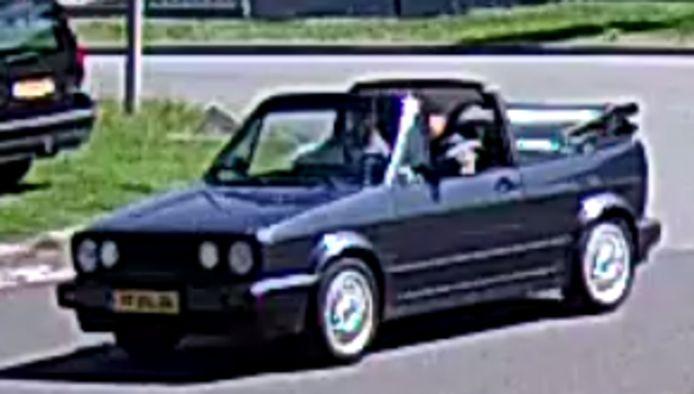 Blauwe VW Golf Cabrio betrokken bij mishandeling Meppel